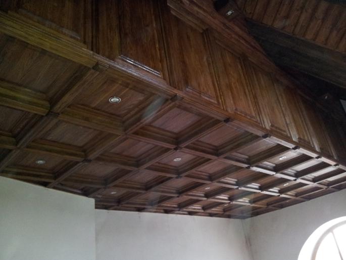 Отделка потолка фасадами