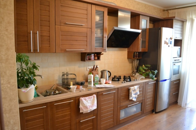 Кухня с фасадами имитация вагонки